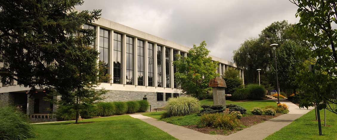 Kemp Library | ESU